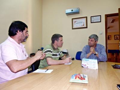 José Luís Araújo e Adelino Mota reunidos com a direção dos B.V. de Riba d`Ave